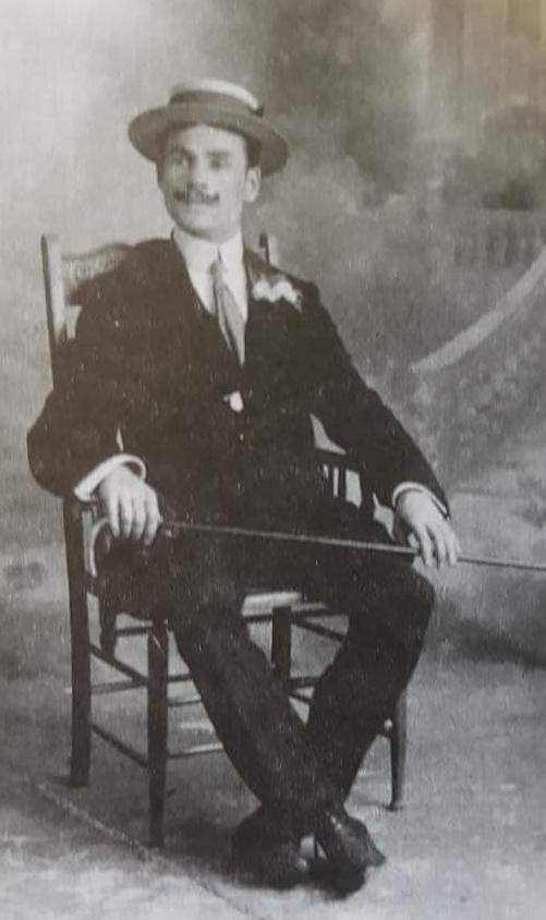 Una marcha, del maestro Don Cándido Morábito, fechada en enero de 1931.